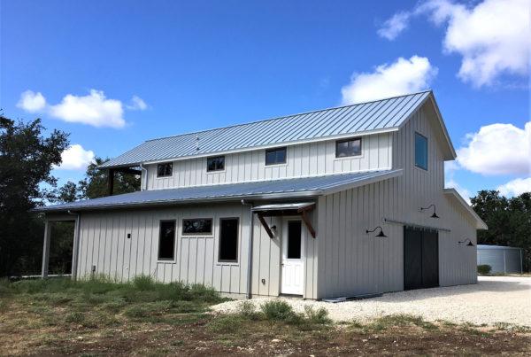 Settlers Trail Barn/Guest Cabin
